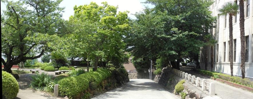 正門付近パノラマ.jpgのサムネール画像のサムネール画像