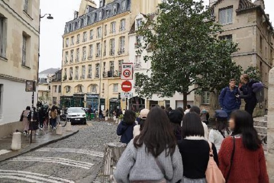 ブログ写真 フランス修学旅行 グループA(Part 7)?.jpg