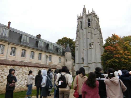 ブログ写真 フランス修学旅行 グループB(Part 5)?.jpg