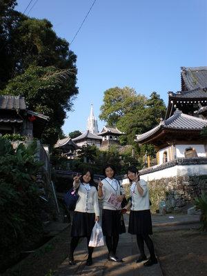 平戸_お城と教会.JPG